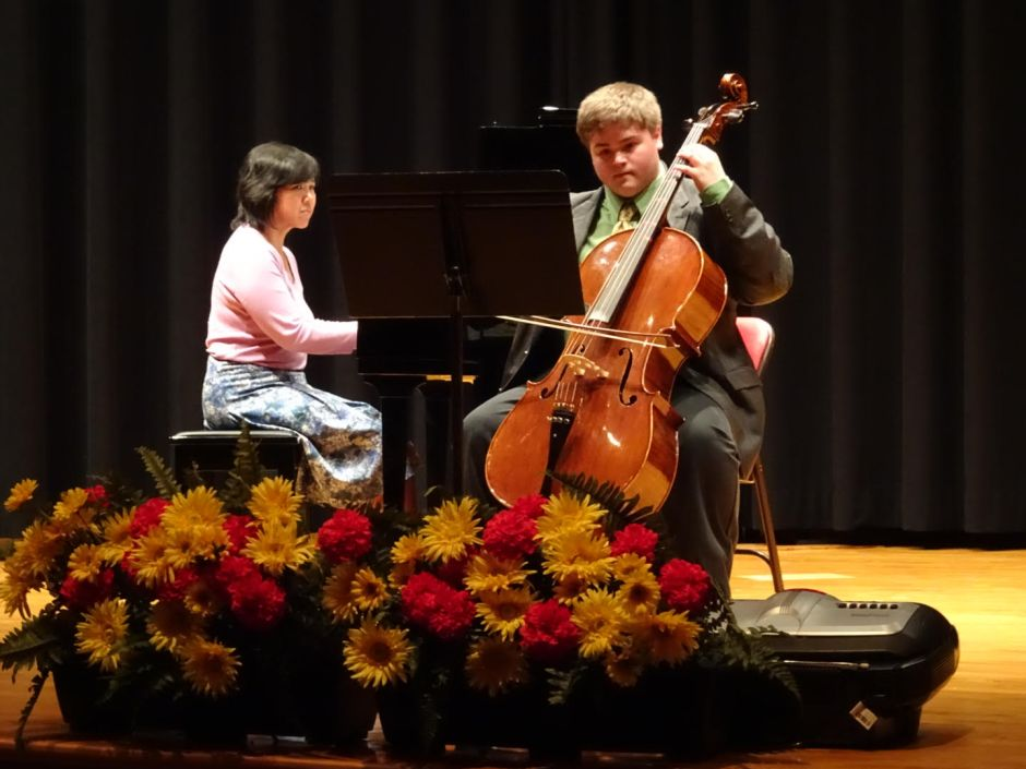 Josef Moses '19 entertains the audience with his cello.